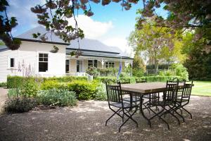 The Monastery, Bed and breakfasts  Tamahere - big - 25
