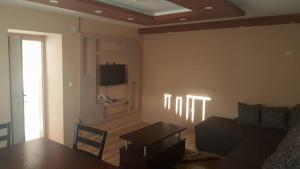 Pestani Apartment, Apartmanok  Pestani - big - 4