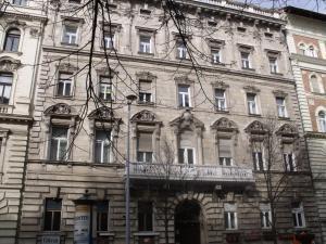 Alkotmany Residence