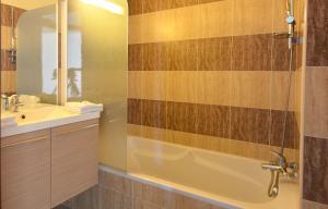 Résidence Les Calanques, Aparthotels  Ajaccio - big - 10