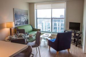 Glen Grove At Maple Leaf, Apartmánové hotely  Toronto - big - 1