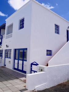 Casa Suso AND casa Margarita, Orzola