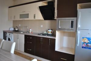 Luxurious Apartment by Caspian Housing, Apartmány  Baku - big - 10