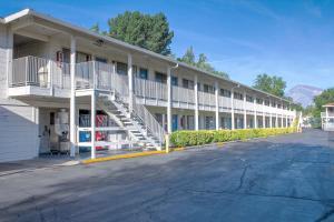 Motel 6-Bishop, CA