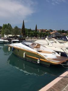obrázek - LM House Boat