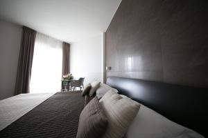 Mediterranea Hotel & Convention Center, Szállodák  Salerno - big - 13