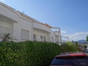 Res. La Farella A 1-9, Apartments  Llança - big - 3
