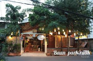 Baan Park Raak Backpacker Hostel
