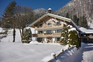 Landhaus Dax - Hotel - Kössen