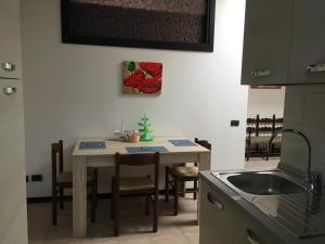 Room & Breakfast Airport, Guest houses  Bergamo - big - 25