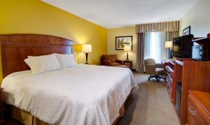 Hampton Inn Columbia Northeast - Two Notch Road, Hotely  Columbia - big - 18
