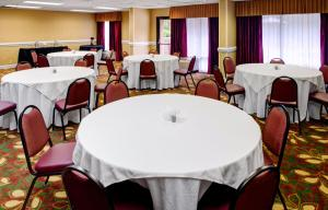 Hampton Inn Columbia Northeast - Two Notch Road, Отели  Колумбия - big - 16