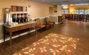 Hampton Inn Columbia Northeast - Two Notch Road, Отели  Колумбия - big - 18