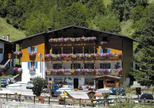 Albergo Genzianella - Hotel - Rocca Pietore