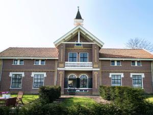 . BizStay Cricket Mansion Apartments