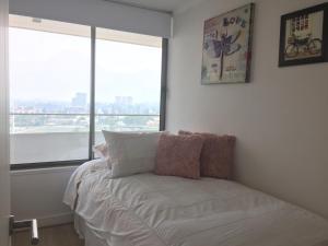 Apartamento Parque Arauco Kennedy, Ferienwohnungen  Santiago - big - 3
