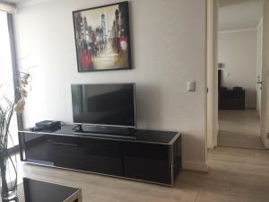 Apartamento Parque Arauco Kennedy, Ferienwohnungen  Santiago - big - 9