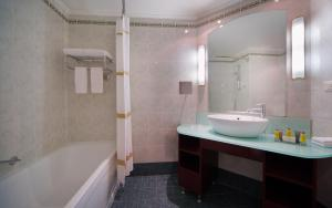 Moscow Marriott Grand Hotel (20 of 60)