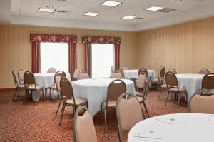Hampton Inn Waterville, Hotels  Waterville - big - 28