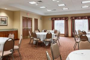 Hampton Inn Waterville, Hotels  Waterville - big - 33