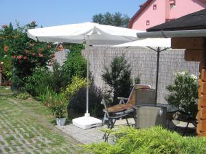 Kaiser Apartman, Ferienwohnungen  Hévíz - big - 79