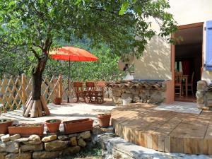 Gîte l'Ecluse au Soleil, Holiday homes  Sougraigne - big - 17