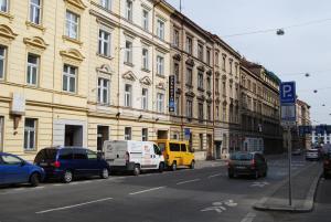 Duskova Apartments