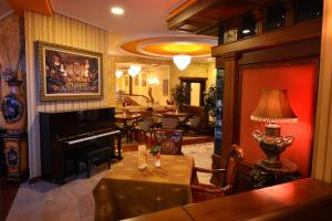 Hotel Austria, Hotels  Tirana - big - 36