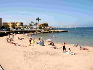 Luxury 3 bedroom 3 bathroom house, Playa Flamenca, Ferienhäuser  Playa Flamenca - big - 13