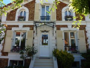 Location gîte, chambres d'hotes Maison Romantique dans le département Val de Marne 94