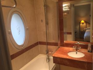 hotel-suites-unic-renoir-saint-germain