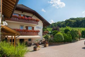 Accommodation in Frangarto