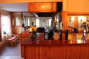 An Portán Guest House and Restaurant, Penzióny  Dunquin - big - 22