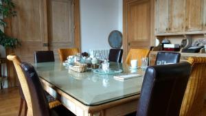 Chambres d'Hôtes - Villa Ariane, B&B (nocľahy s raňajkami)  Honfleur - big - 48