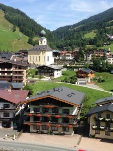 Pension Ripper - Accommodation - Saalbach Hinterglemm