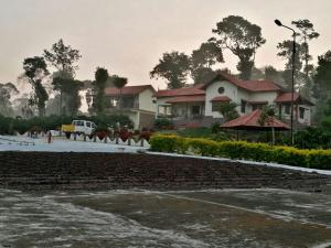 Auberges de jeunesse - Wander With Your Buddies at Vaishnavi Estate in Coorg