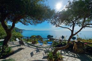 Villa con discesa a mare privata - AbcAlberghi.com