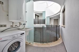 Poble Espanyol Apartments, Апартаменты  Пальма-де-Майорка - big - 8
