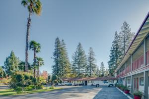 The Palo Alto Inn
