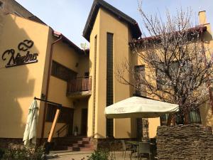 Pensiunea Nimbus, Vendégházak - Arad