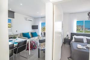 Nicholas Seaview Apartments, Apartmány  Protaras - big - 18