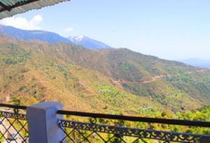 Hill View Apartment - Dalai's Abode, Homestays  Dharamshala - big - 1