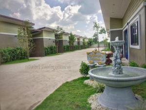 Subthawee Resort - Amphoe Nong Han