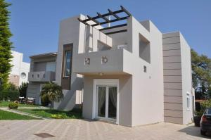 Beautiful house with garden in Ixia, Rhodes - Ialisos