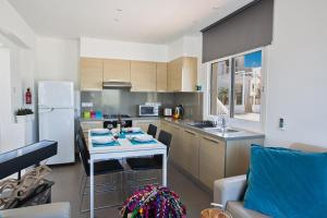 Nicholas Seaview Apartments, Apartmány  Protaras - big - 36