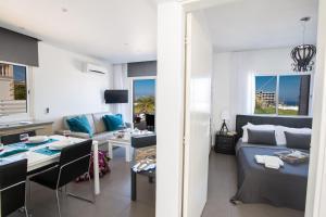 Nicholas Seaview Apartments, Apartmány  Protaras - big - 38