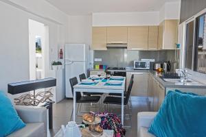 Nicholas Seaview Apartments, Apartmány  Protaras - big - 39