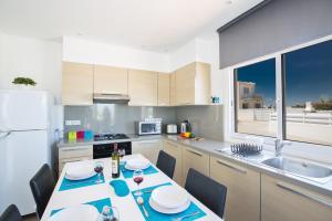 Nicholas Seaview Apartments, Apartmány  Protaras - big - 48