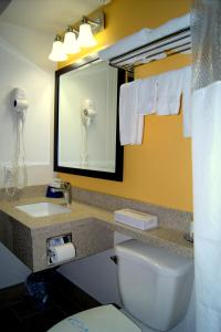 Bay Hill Inns & Suites, Fogadók  Neepawa - big - 10