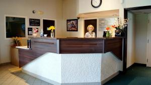 Bay Hill Inns & Suites, Fogadók  Neepawa - big - 33